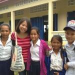 専修大学 2年 茉那さん(写真左から2番目)