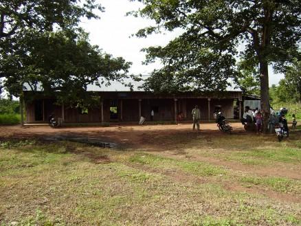 ラタナックモンドル郡オンダウクハエプ町プームカンダール小学校