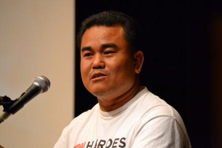 元少年兵で現在地雷撤去を続けるアキラ。「カンボジアの地雷をゼロにすることが私の使命です」と語ってくれた。