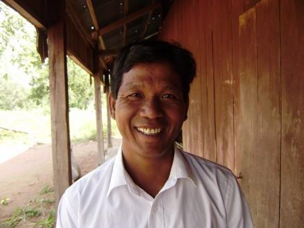 第4回放送(1月19日) チュニアン・サット(43才) / 小学校の先生 / 片田舎にある小学校で5・6年生のクラスを担当している。